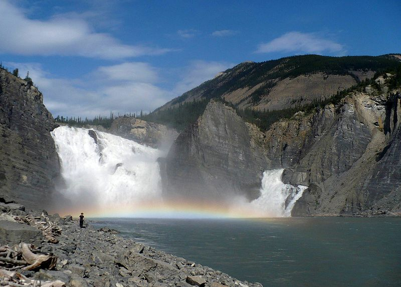 Cascate di Nahanni - National Park in Virginia - Canada