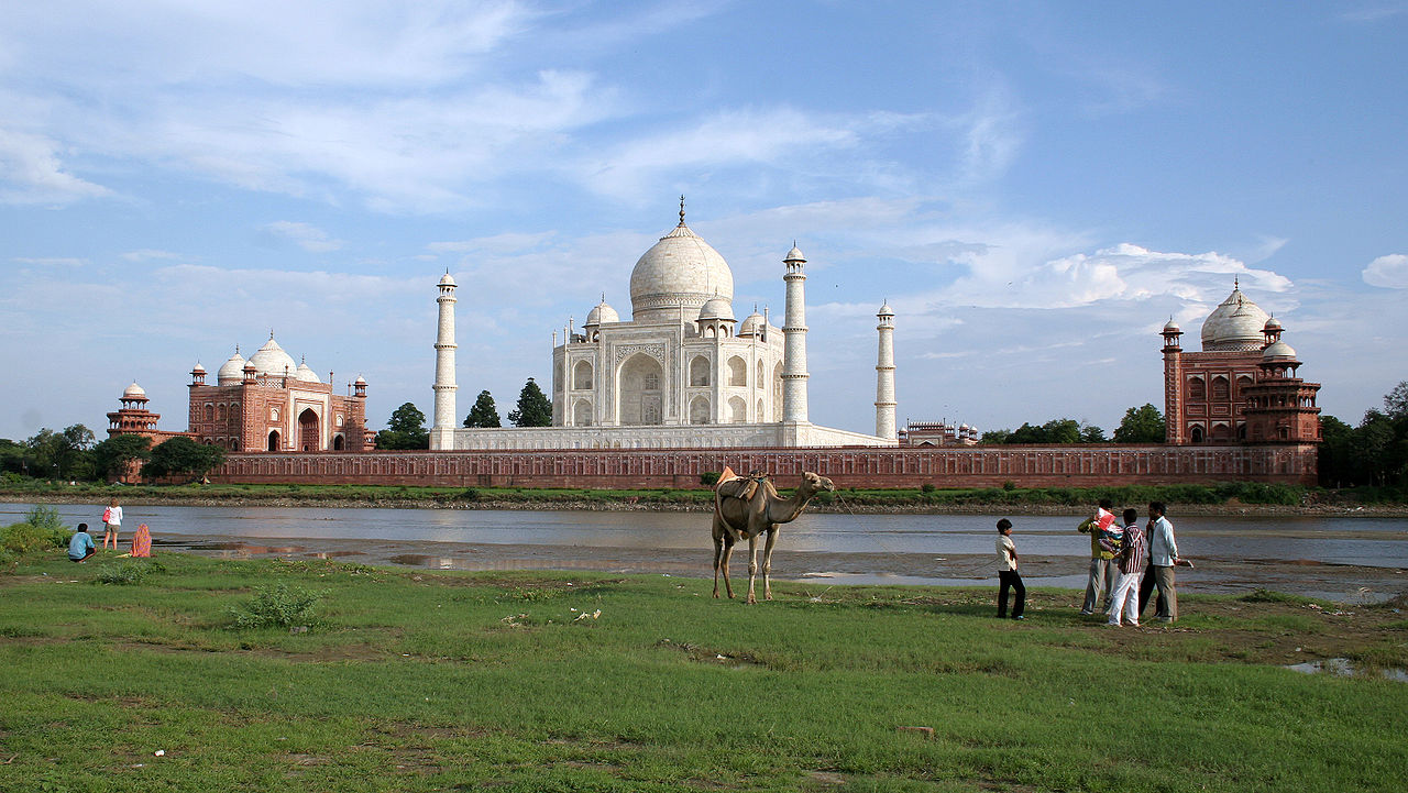 Mausoleo Taj Mahal ad Agra - India