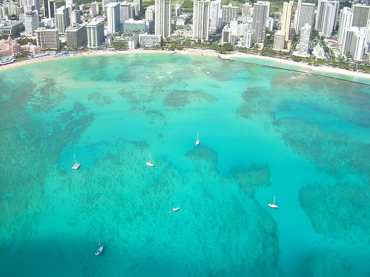 immagine del Quartiere Waikiki a Honolulu nelle Hawaii - USA